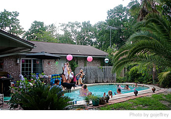 Throwing the Perfect Summer Pool Party