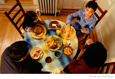 Eating together reduces junk food intake and encourages healthy eating among kids